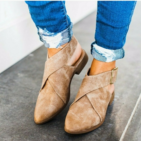 Strut! Shoes - LAST PAIR!!//The Patsy// Taupe buckled Flat bootie