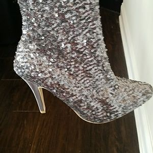 4cc771527bb Steve Madden Shoes - 💝LIMITED EDITION STEVE MADDEN SEQUIN BOOTS!