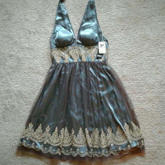 402748e042 Beautiful Emerald Green Halter Dress Gold Beading