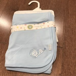 2 swaddle blankets - One size