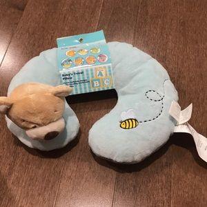 Baby's travel pillow