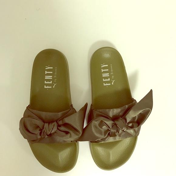 wholesale dealer 1d405 7a53b Fenty Puma Bow-Tie Slides