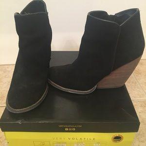 Very Volatile black suede booties