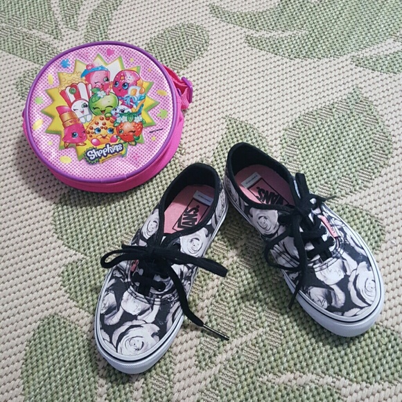 60a07a8ddd Select Size to Continue. M 59b715086a583040560aab33. 11 (Toddler Girl)