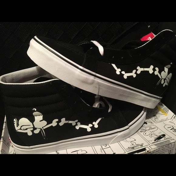 5170df0a629 Peanuts Vans Snoopy Vans Sk8-Hi Vans
