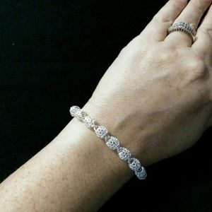 Silver plated clasp bracelet NWOT