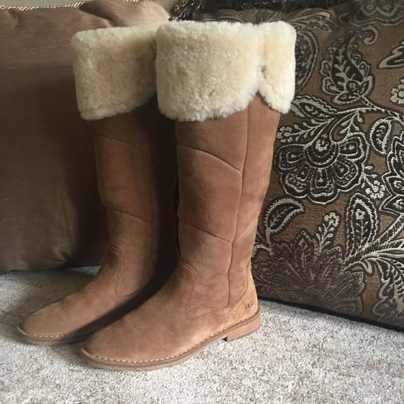 4362a09ba38 UGG Samantha boot size 9