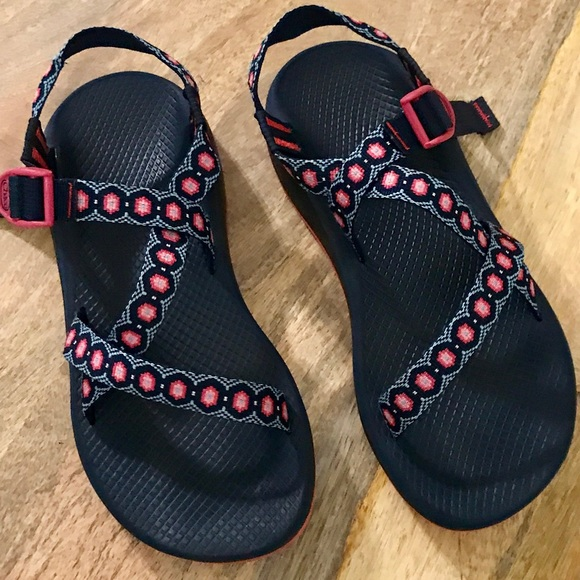 0e0bc3afc9a Chacos Shoes - 🔴SALE🔴Women  Pink   Black Chacos🖤Size 10 Wide