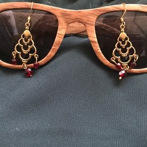 Jewelry - Dangle gold colored earrings with crimson beads