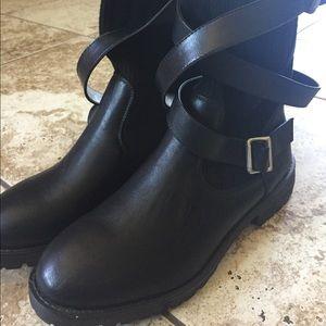 Black boots ⚡️