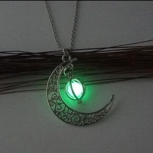 Jewelry - Shine moon necklace