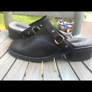 Women's Rockport Black Leather Mules Size 9M