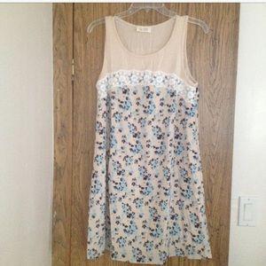 Dresses & Skirts - Floral Dress (NWOT)