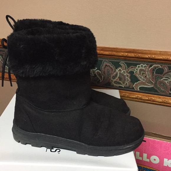Shoes | Black Furry Boots Womens Size