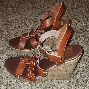 Dark brown wedges