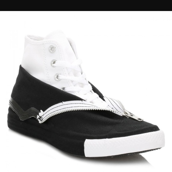 86c187e54f49df Converse Shoes - Converse Women Black Shroud Chuck Taylor style