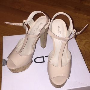 NWT size 7 cream aldo peep toe strap heels