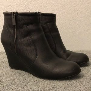 Kenneth Cole Tell Lily Pad Black Wedge Booties