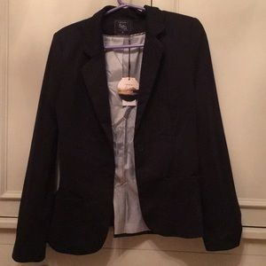 Cotton On black blazer. Never worn with tags!!