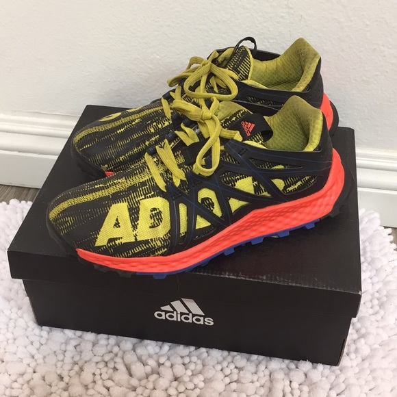 4ae5cc1a2b449 adidas Other - Boys Adidas 🔥 Hiking Trail Vigor Bounce J Size 5