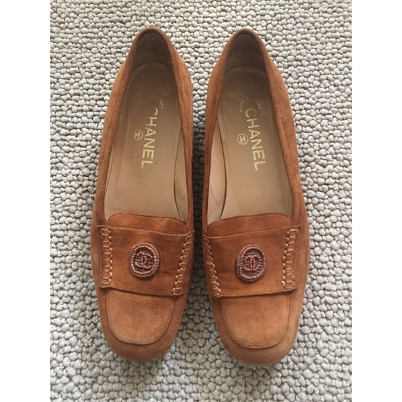 3ca67f45605 CHANEL Shoes - Chanel Women s Tan Suede flats size37
