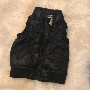 Other - Adorable baby black bubble zip up vest
