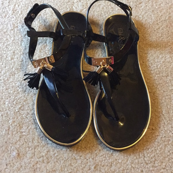 94b473f4b511 fibi   clo Shoes - Fibi   Clo New York Sandals
