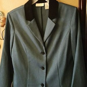 studio ease Other - Beautiful suit dark green and black
