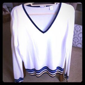 IZOD comfort sweater! 🐊