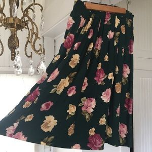 Romantic Vintage Green Floral Skirt with pockets
