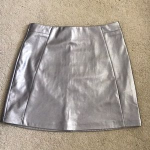 Faux leather mini skirt. Metallic silver