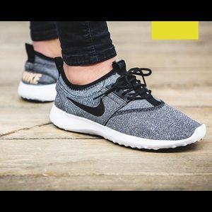 {Nike} Gray Juvente