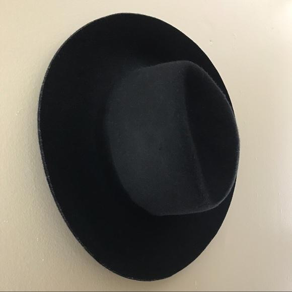 fedea986fe3db Urban Outfitters Deena   Ozzy Black Floppy Hat. M 59b80d562fd0b758c4013080