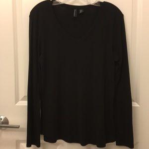 Black v-neck long sleeve shirt size large