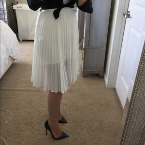 EXPRESS White Pleated Skirt