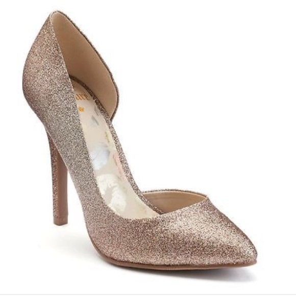 3f7a3ae963e184 Juicy Couture Shoes - Juicy Couture Cyra Gold Glitter Pointed Toe Heels