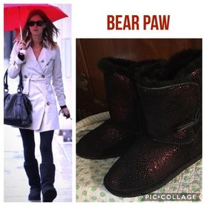 NWOT Bearpaw DIVA Boots. Size 8