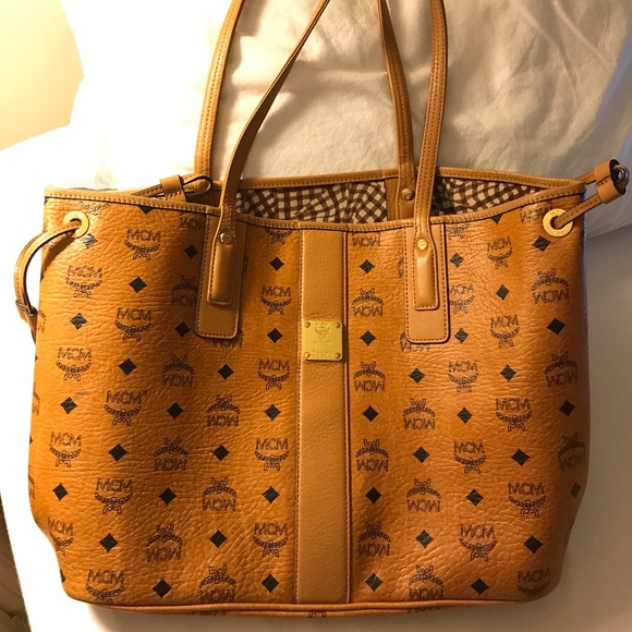 cbb1fdf1f6abf MCM Liz Reversible Medium Visetos Tote Bag