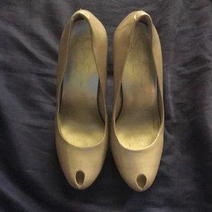 [Jessica Simpson] Nude Heels
