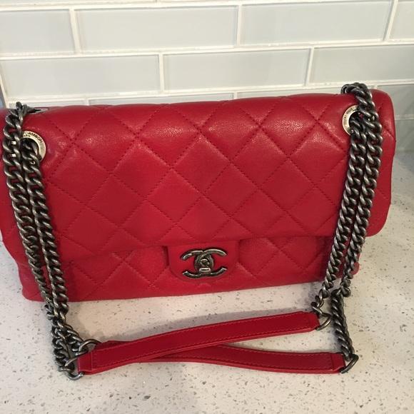 451d9b10b711 CHANEL Handbags - Chanel Medium Bag