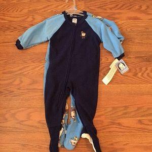 2sets of footed pajamas
