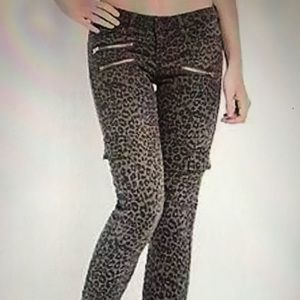 Guess leopard jeans size 31 waist 🐆