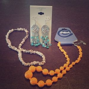 Jewelry - Jewelry bundle! Earrings and two necklaces!