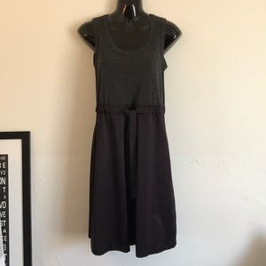 Vera wang grey and black silk dress. Size Sm. 🙌🏼
