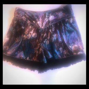 Band of Gypsues. S velvet shorts