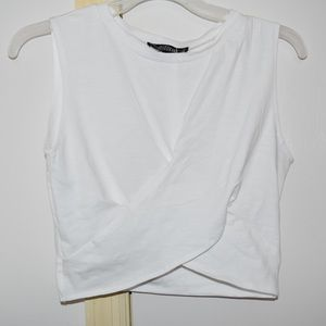 White kot/ cross crop top