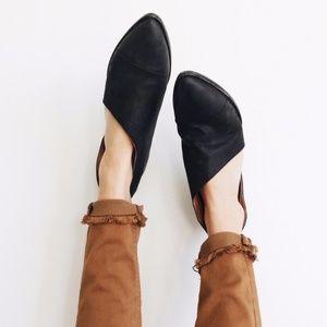 Shoes - Cut Out Side Bootie BLACK