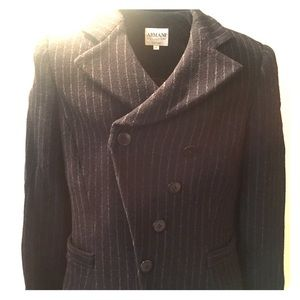Gorgeous Armani navy blue wool blazer