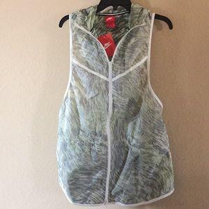 Nike Women's Tech Hyperfuse Vest - Medium, NWT