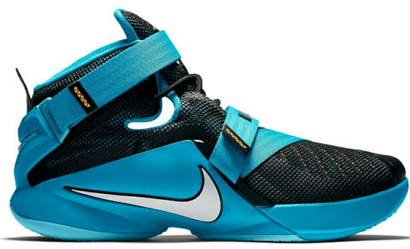 newest 26b61 c659e Nike LeBron Soldier 13